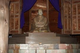 俳聖殿伊賀焼 芭蕉座像